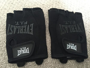 Gym Gloves (Brand New)