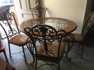 Beautiful Antique Iron Table and 4 Chairs
