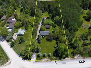 Calling all investors 2 homes on a 1 acre lot! Innisfil