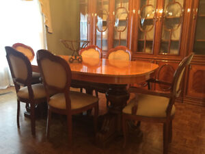Dining Table and Chairs with Hutch