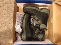 New Size 9 Steel Toe Boots