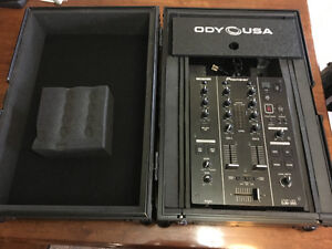 Pioneer DJM 350 and Odyssey Road case