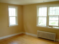 21 Central Ave,2 BDRM Flat,Lrg Balcony,Washer/Dryer,Ht/Hot Water