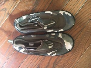 LOT OF BOYS SIZE 4 SHOES