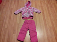Old Navy Girl's snowsuit - size 4T