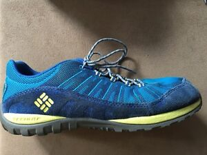 Columbia boys or girls youth running sport shoes Youth size 6 Kitchener / Waterloo Kitchener Area image 4