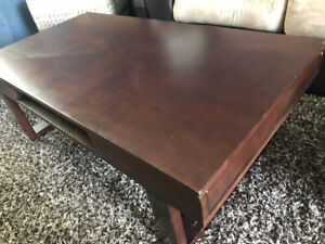 Coffee Table/End Table  (Perfect For Students or New Family)