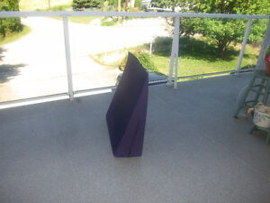 BED WEDGE TO RAISE HEAD 10 INCHES