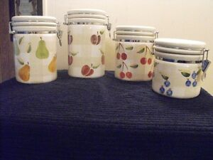 CANISTER SET WITH COOKIE JAR