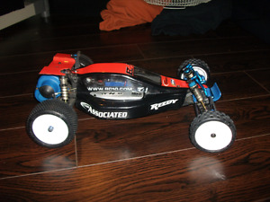 Championship team associated brushless B4 RC buggy