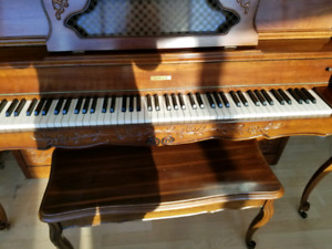 Lovely Well cared for piano good price $500obo