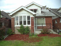 GREAT LOCATION NEAR UW - TOTALLY RENOVATED DUPLEX