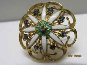 14KT YELLOW GOLD, WHITE AND GREEN ENAMEL FLOWER