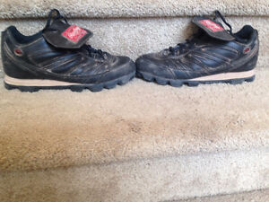Rawlings Cleats / Shoes, Adult Size 6