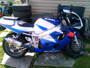 1998 gsxr600 for trade!