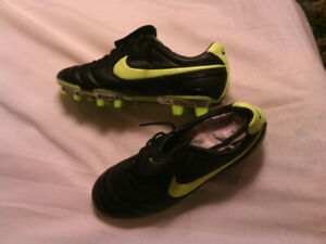 Soccer Cleats - New - Nike