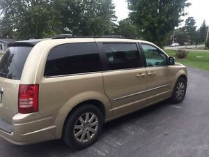 2010 town and country van dodge