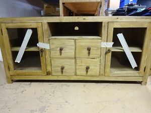 Furniture: Several items, nearly new, please contact