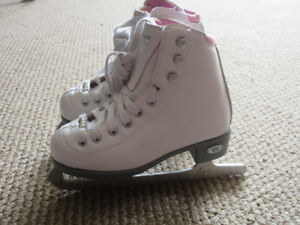 Figure Skates - Riedell Pearl size J12