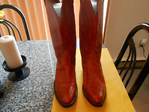 BOULET COWBOY BOOTS  MEN SIZE 9  QUALITY LEATHER  .
