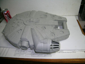 Star Wars Millennium Falcon figure carrying case Kitchener / Waterloo Kitchener Area image 2