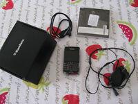 Cellulaire et accessoires rechargeables le tout très propre