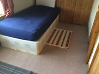 Bright single room to let £480/month