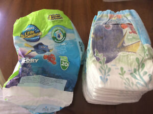 Huggies little swimmers diapers, size S