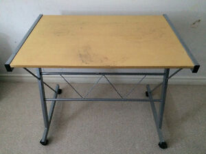 Simple, lightweight computer desk on wheels (will deliver)