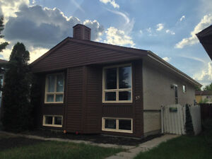 Wonderful 3 bedroom bungalow in Fort Richmond! Close to UofM!!