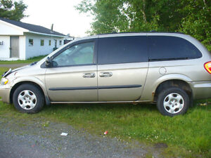 2003 & 04 Dodge Caravan Minivan,Van parts & a 99 Dodge Caravan