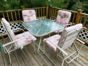 Patio table with 4 folding chairs