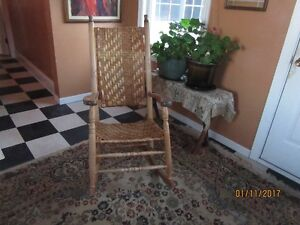 Antique Rocking chair with splint weaving