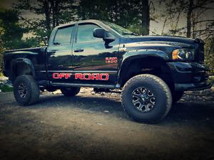 Truck Monster a vendre ou échange Dodge caravan