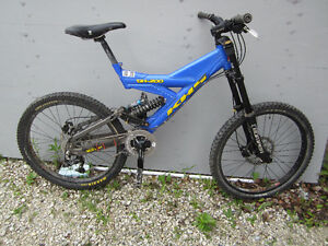 "DH 200 KHS down hill bike with 8"" Boxer forks"