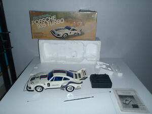 téléguidé vintage PORSCHE 935 TURBO boite d'origine