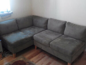 EQ3 Sectional Sofa Set