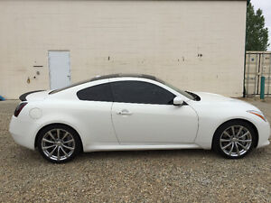 2010 Infiniti G37 sport Coupe (2 door)