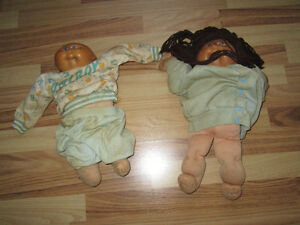 TWO ORIGINAL CABBAGE PATCH DOLLS