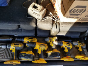 Dewalt 18V , 4 drills and 2 impacts with 2 batterys and charger