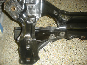 Honda accord 1998-2002 v6 Front crossmember / subframe en avant