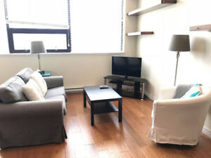 Furnished Bach for Sept 1st > Modern/ Amazing Location!