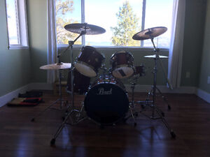 Pearl Forum Drum Kit w/ extras