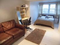 Very large double room to rent in flat share.