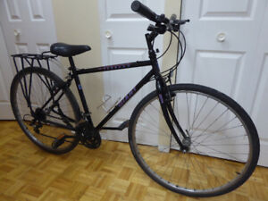Giant Hybrid Commuting Bike Steel Frame with rear rack