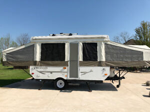 2008 Rockwood Freedom Pop-Up Tent Trailer with A/C