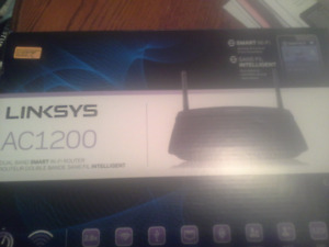 Linksys AC1200 EA6100 Smart Wi-Fi Router