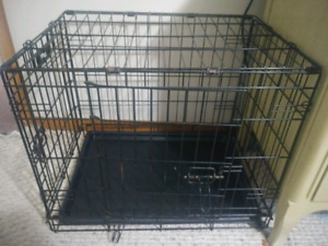 "Small-Medium dog kennel. 17""x24x19"
