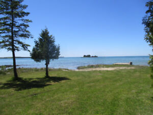 Sauble Beach /Water Front/Family cottage