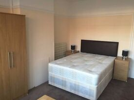 Stunning Large Two Double Bed Rooms available for Quick Move/ WATFORD - £150/WEEK